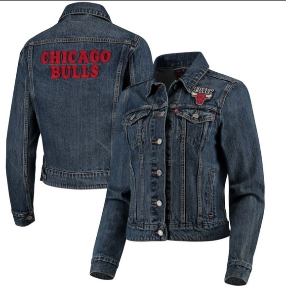 LEVI'S NBA Chicago Bulls Denim Jean Trucker Jacket